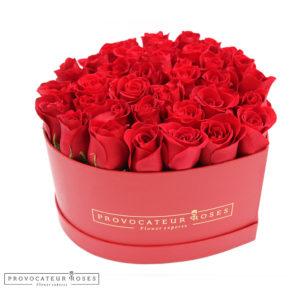 Caja corazon rosas frescas rojas